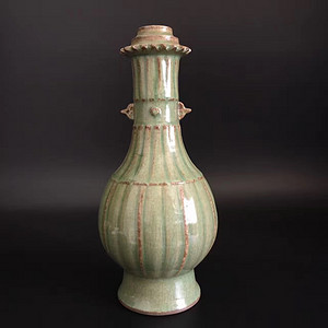 龙泉窑花瓶