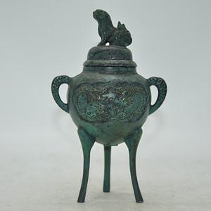 三足铸铜香炉