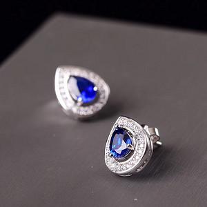 斯里兰卡蓝宝石耳钉