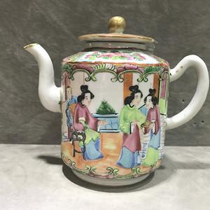 清晚 细路广彩茶壶
