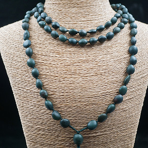 顶级阿拉善绿玛瑙原石籽料项链缠珠