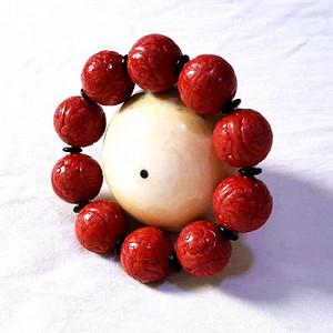 精品 74.3克20mm阿卡珊瑚雕花圆珠手串