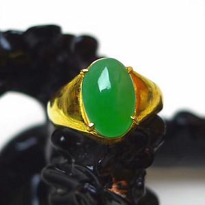 冰糯种翡翠精美绿色蛋形玉面戒指