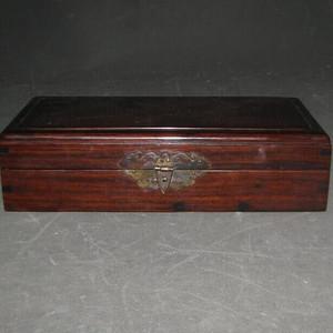 红酸枝文房盒子