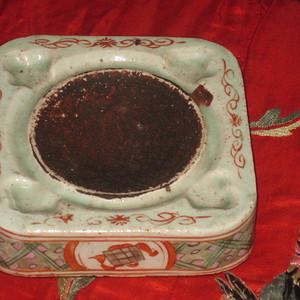 清代五彩杂宝纹老瓷砚台