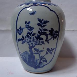 青花博古纹罐