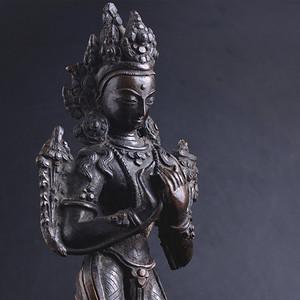 十九世纪 尼泊尔 观音立像