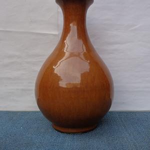 黄鳝黄盘口玉壶春瓶