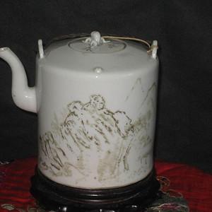 晚清浅绛风格墨彩精品山水茶壶