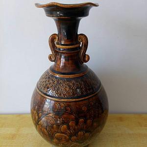联盟 单色釉刻花瓶