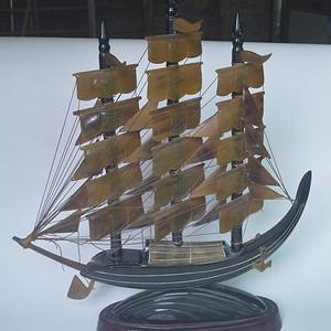 老牛角船摆件