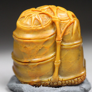 珍品收藏 珍品 寿山田黄石 圆雕《竹报平安》