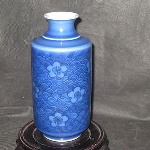 清代蓝上蓝花卉小赏瓶