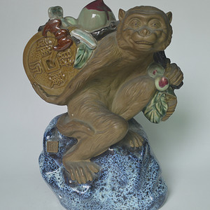 石湾窑瓷猴