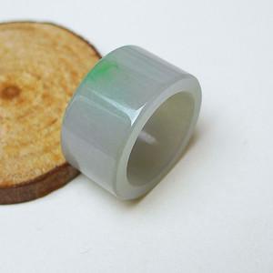 冰润带绿扳指