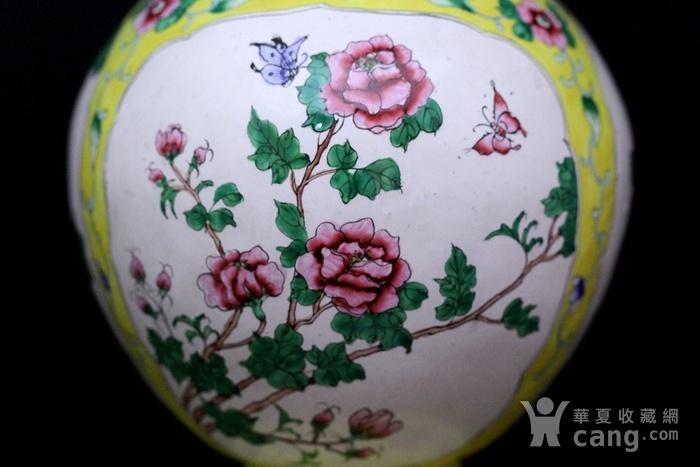 2老铜胎画珐琅开光花卉纹观音瓶图5