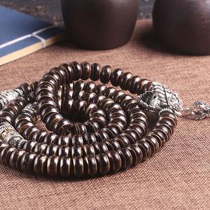 椰壳镶佛珠项链