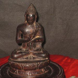 清中期释加牟尼老铜佛像