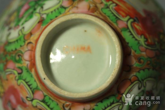 广彩人物花卉纹盖碗图8