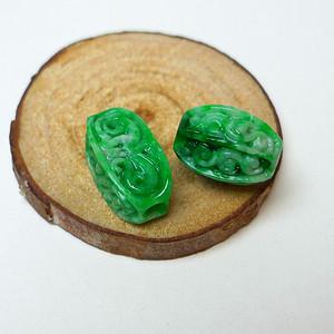 金牌 冰润满绿精雕路路通配珠