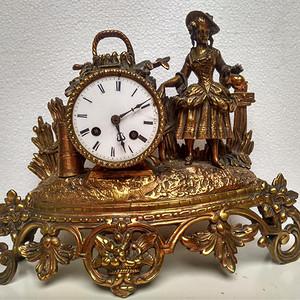 欧洲铜胎雕刻人物老座钟18