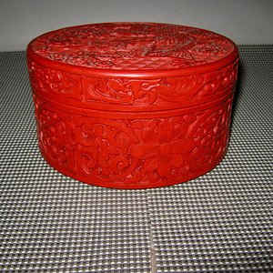 民国剔红圆盒