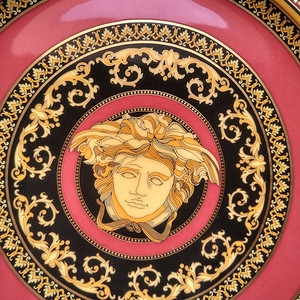世界大牌:范思哲镀金描彩神话故事人物大盘