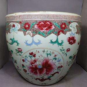 雍正大号粉彩花卉绘画卷缸