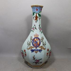 乾隆大号粉彩徽章绘画六方天球瓶