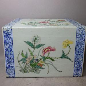 清代粉彩花鸟绘画瓷枕