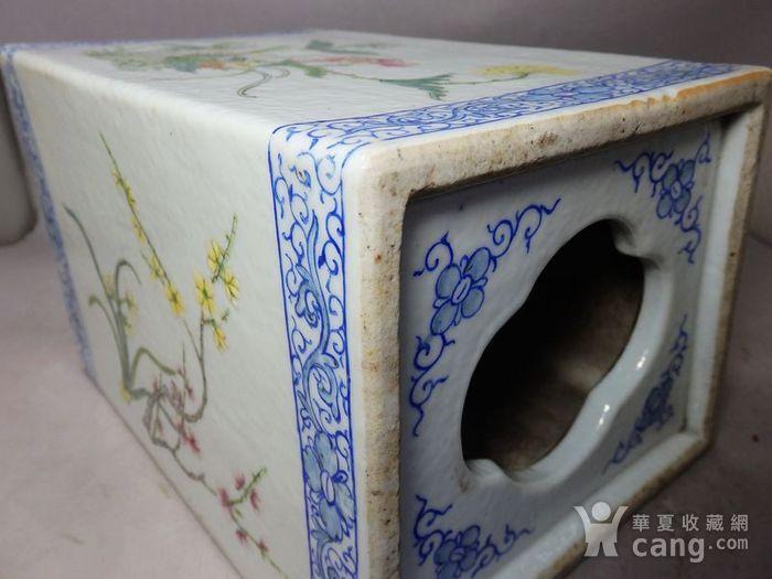 清代粉彩花鸟绘画瓷枕图9