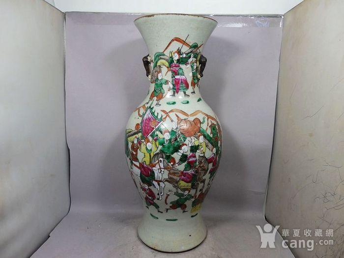 清代大号五彩三国人物绘画观音瓶图1