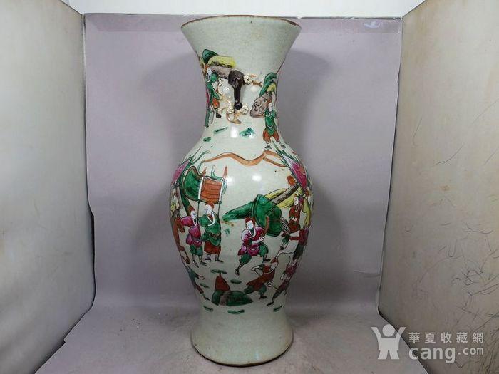 清代大号五彩三国人物绘画观音瓶图3