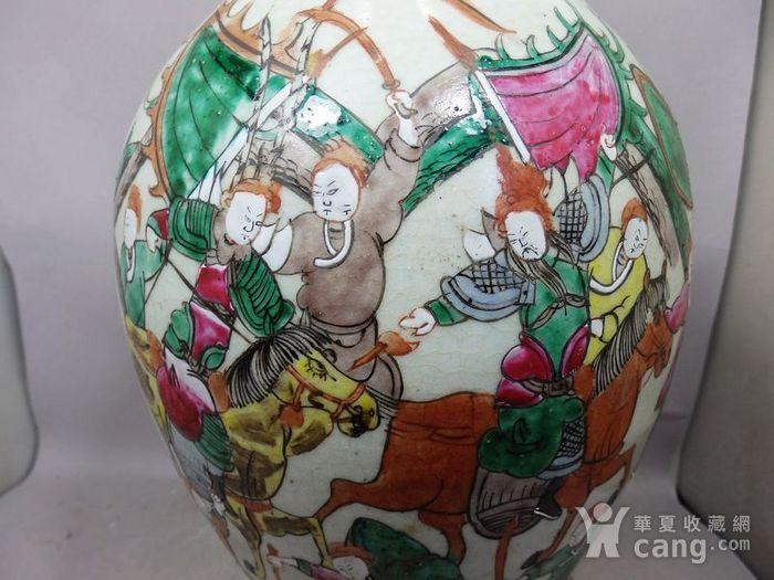 清代大号五彩三国人物绘画观音瓶图5