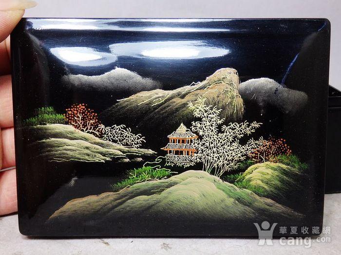 清代漆器山水绘画四方盖盒图4