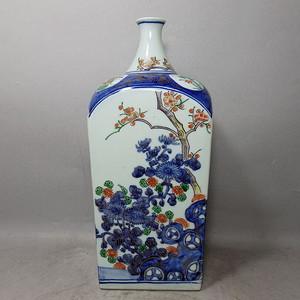 清代青花加彩花卉绘画天圆地方瓶