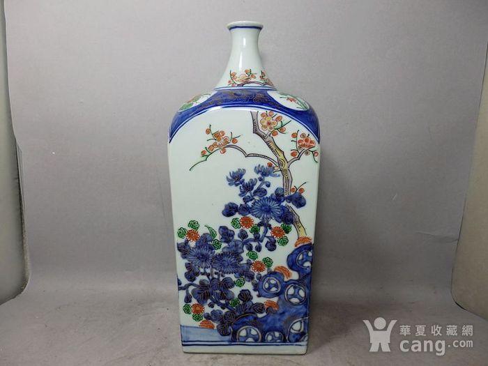 清代青花加彩花卉绘画天圆地方瓶图1