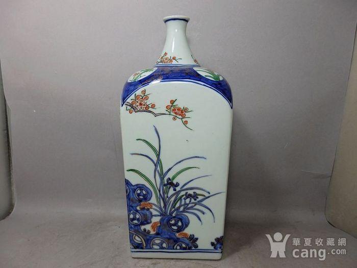 清代青花加彩花卉绘画天圆地方瓶图2
