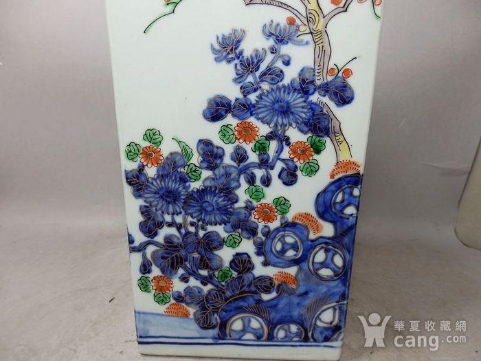 清代青花加彩花卉绘画天圆地方瓶图5