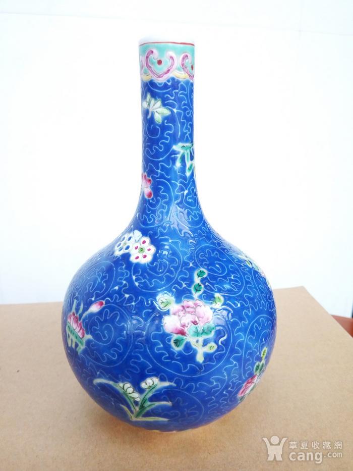 晚清:扎道兰地粉彩花卉�L颈瓶图2