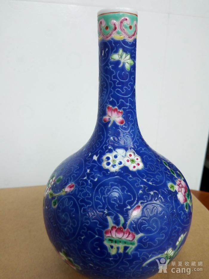 晚清:扎道兰地粉彩花卉�L颈瓶图9