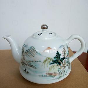 民国:汪友棠山水粉彩茶壶
