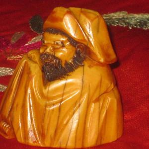 明代自然材质孔圣人精品挂件