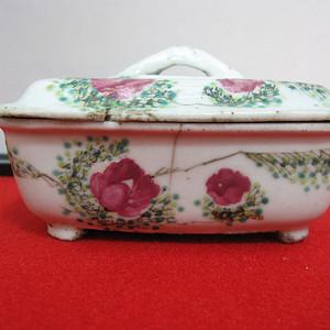 金牌   民国花卉纹肥皂盒