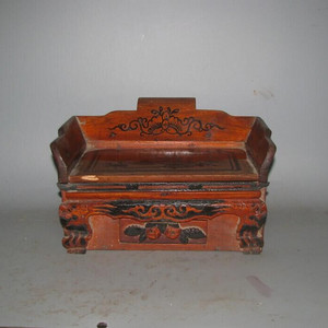 一个特别漂亮虎腿梳妆盒
