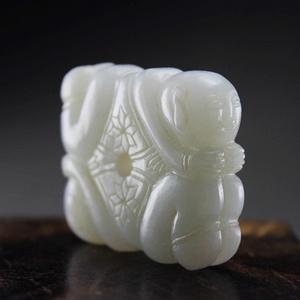 清代天然老翡翠完美无绺裂雕刻四喜童子把玩挂件!包浆漂亮!