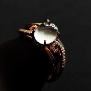 完美小灯泡玻璃种钻戒!18K金镶14钻石天然A货翡翠强莹光戒指