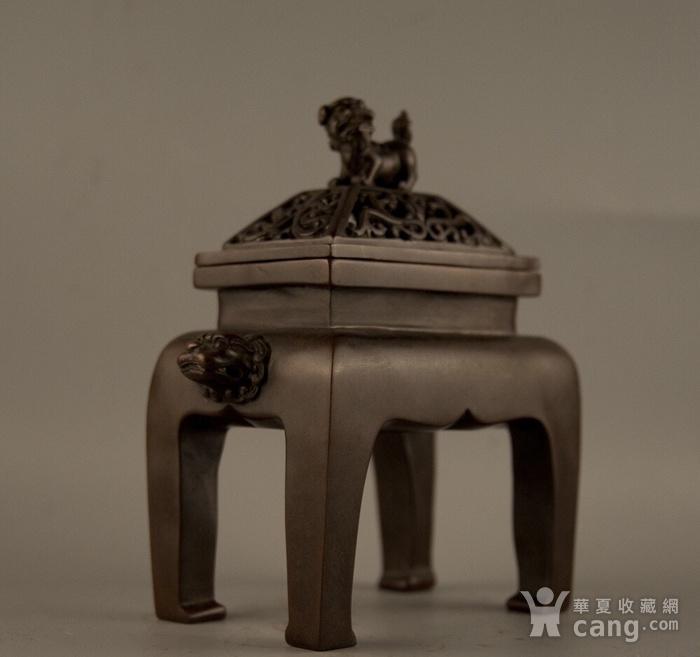 早年珍藏紫铜四足方体鼎炉图1