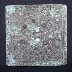 青铜方形海兽葡萄镜