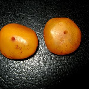 百年原矿波罗的海蜜蜡饼子2个